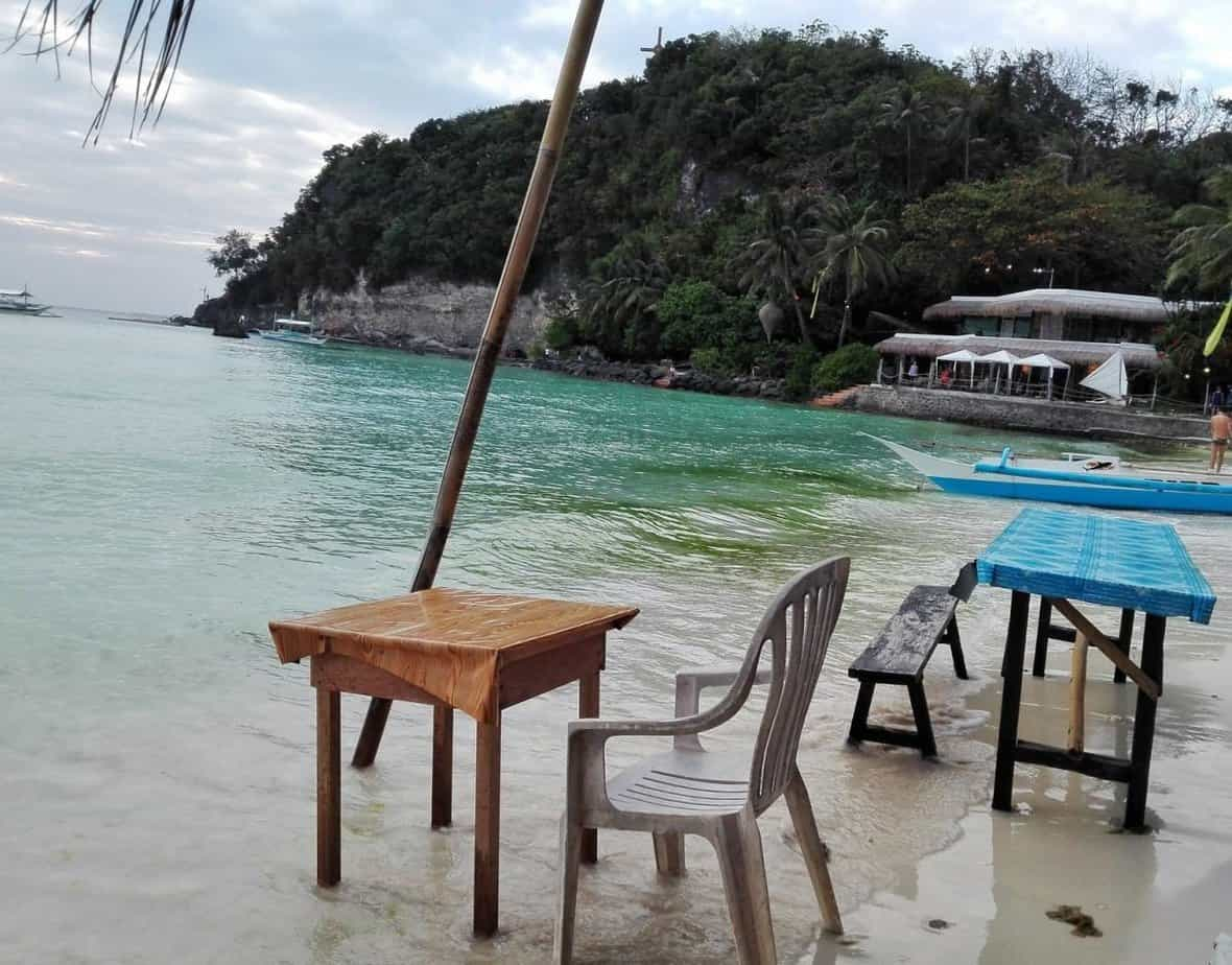 Survive Boracay On A Budget