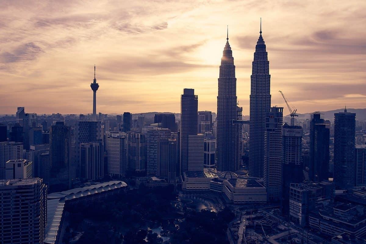 malaysia visa guide - petronas tower