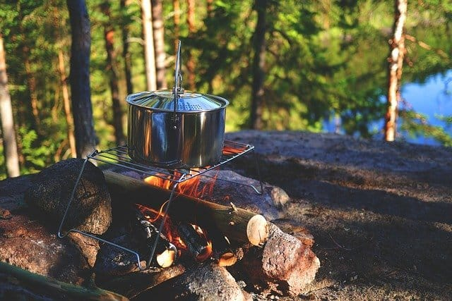 USEFUL CAMPING CHECKLIST YOU SHOULD HAVE​