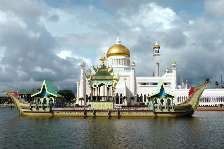 SOUTHEAST ASIA TRAVEL ROUTE AND ITINERARIES: From 2 Weeks up to 6 Months 2
