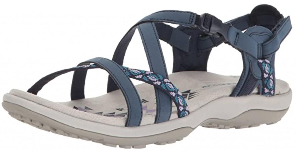 Best Walking Sandals For Travel – Men and Women 2