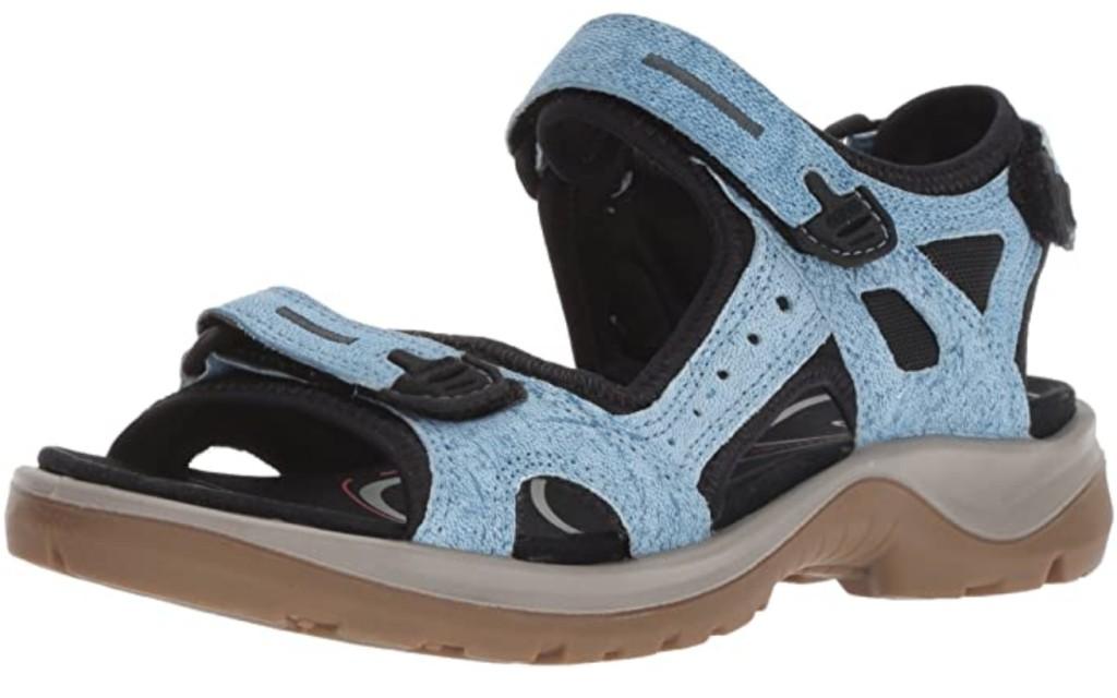 Best Walking Sandals For Travel – Men and Women 4