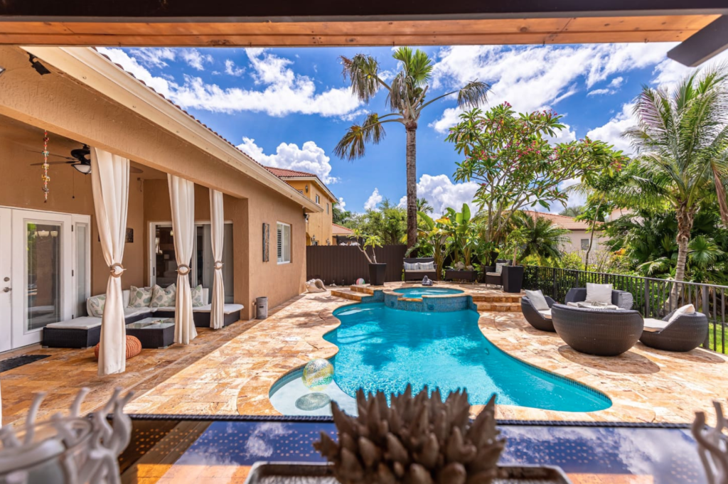 7 of the Best Airbnbs in Florida 6