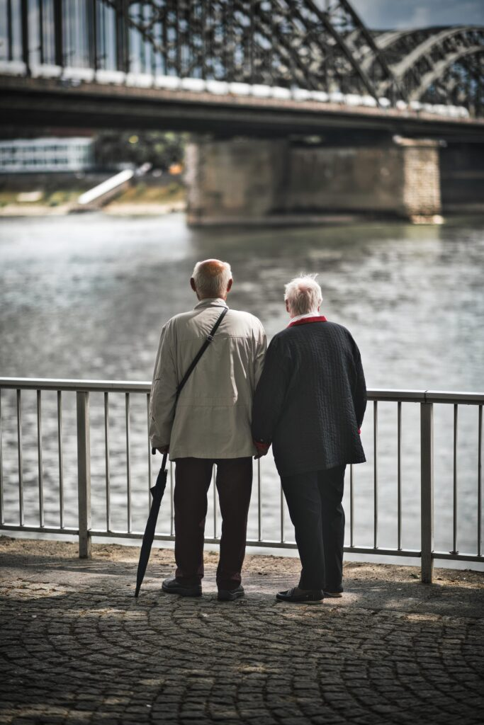 7 Tips for Traveling With Elderly Parents for the First Time 1